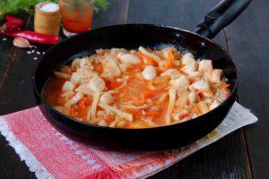 Остро-пряный рис на сковороде