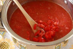 tomatnyj-sup-s-fasolyu-i-kuskusom