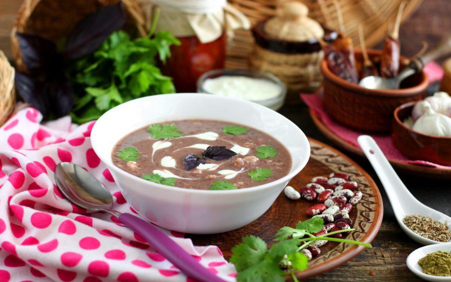 Фасолевый крем-суп с курицей