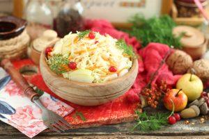 Маринованная капуста «Провансаль» с яблоками