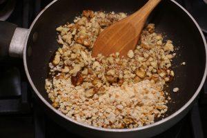 Творожная пасха «Ореховая» на заварном креме
