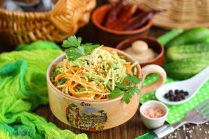 Маринованный салат из кабачка