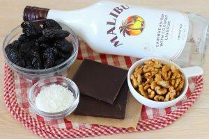 Чернослив в шоколаде с орехом и кокосом