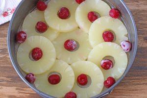 Перевернутая шарлотка с ананасами