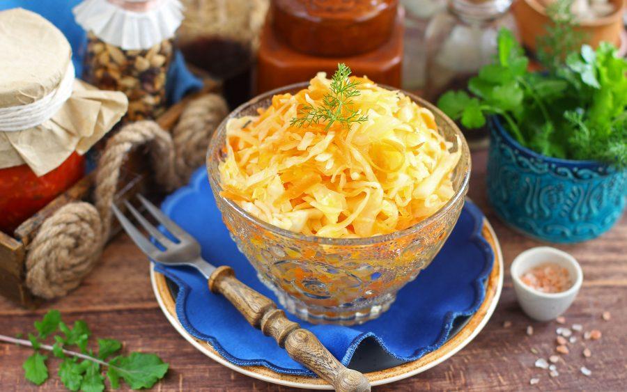 Капустный салат с морковью «Как в столовой»