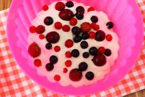 Торт из творога и печенья без выпечки