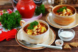 Фасолевый суп с томатом